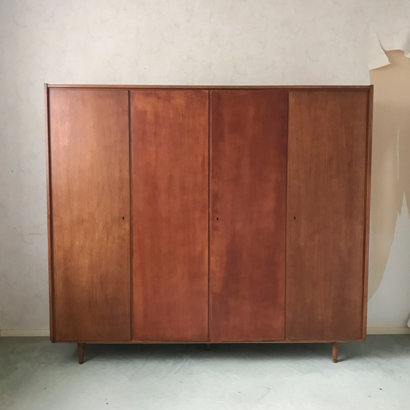Vintage kledingkast XL