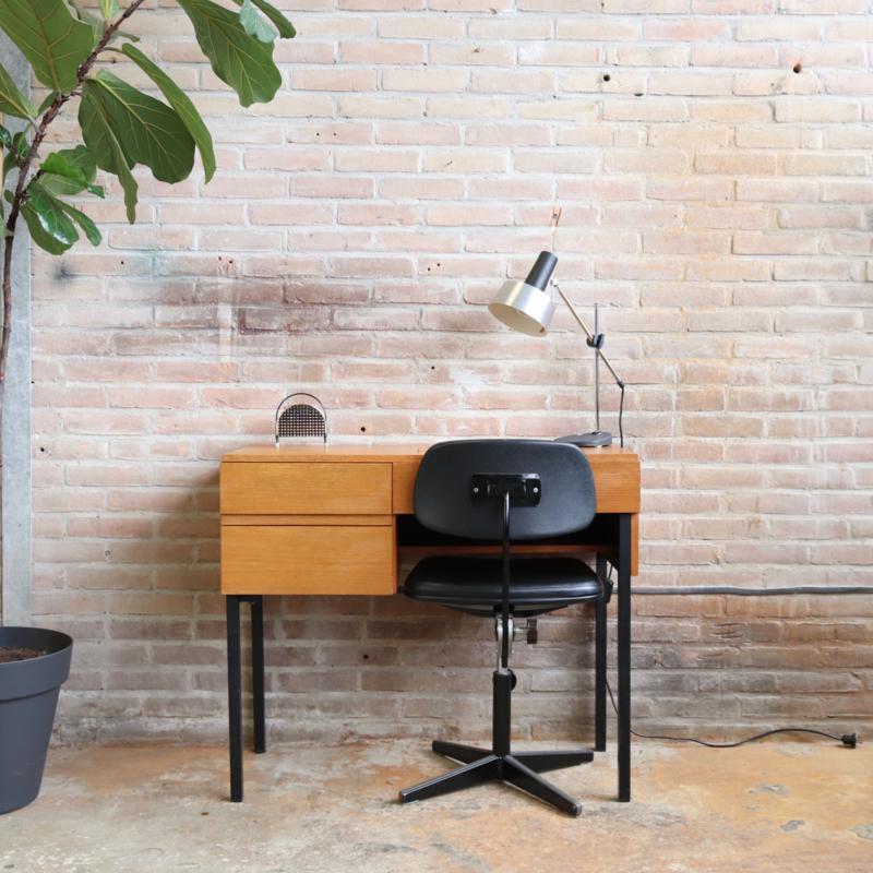 Vintage klein bureau