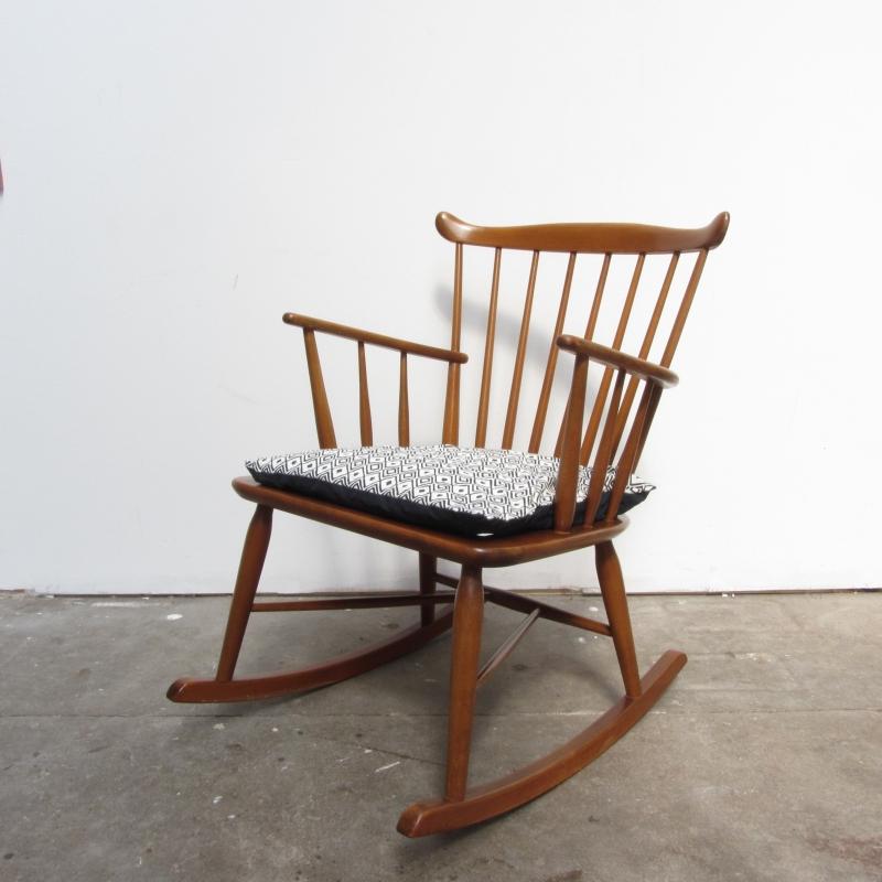 Welp Vintage spijlen schommelstoel | verkocht | Meutt vintage YN-86