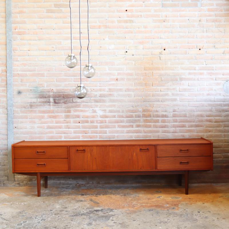 Vintage laag dressoir meubel