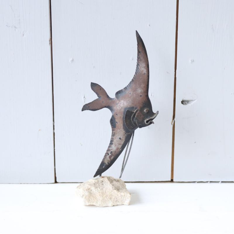 Vintage beeld vis steen metaal