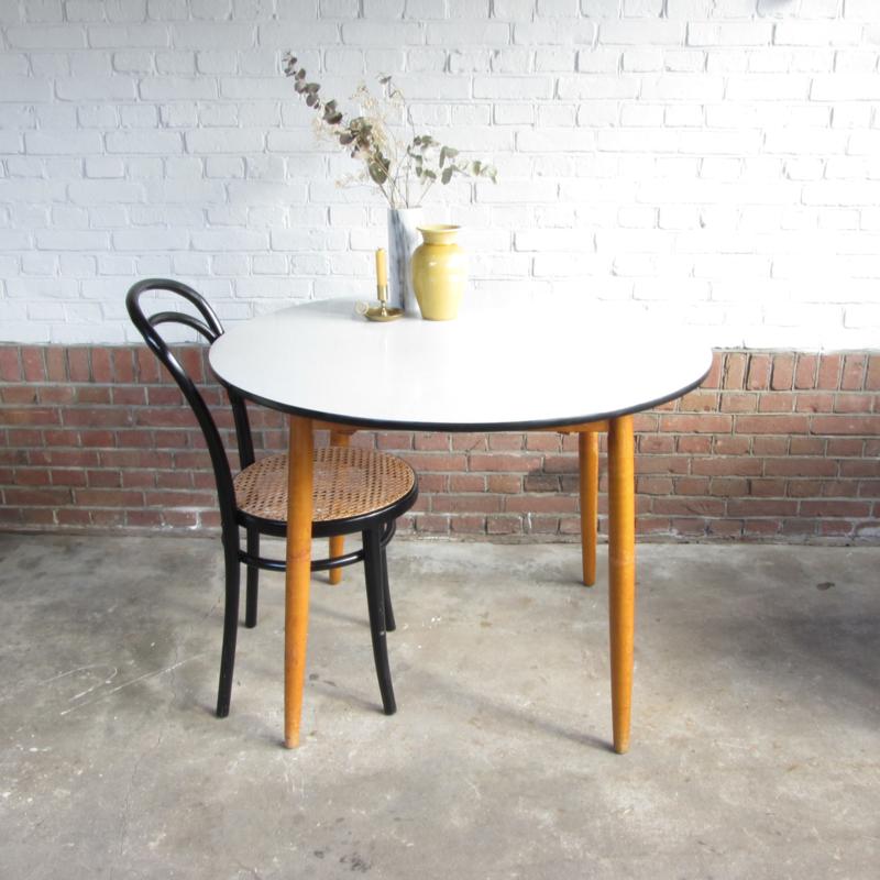 Ronde Retro Tafel.Vintage Ronde Tafel Tafels Meutt Vintage Interior