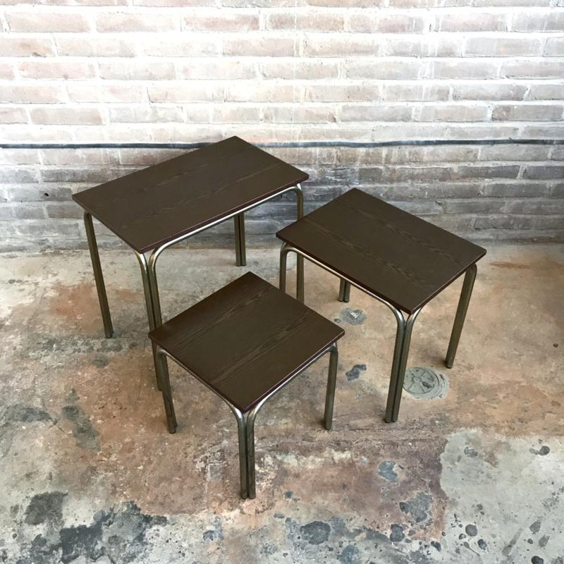 3 Vintage Bijzettafeltjes.Vintage Bijzettafels Set 3 Tafels Meutt Vintage Interior