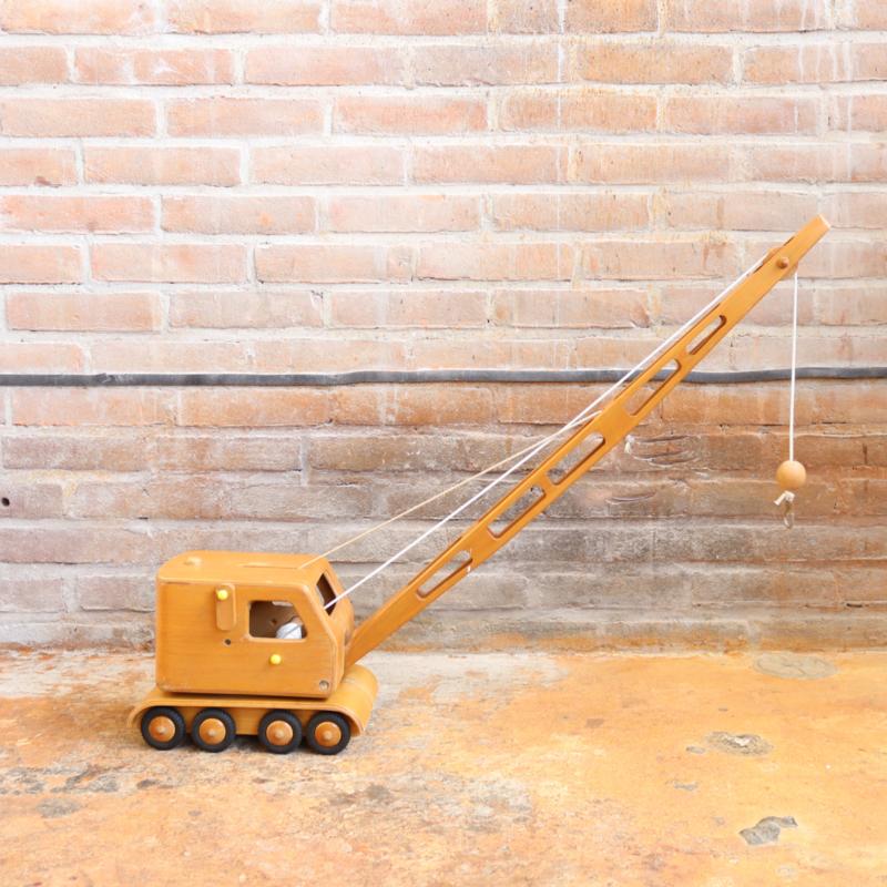Vintage houten speelgoed hijskraan