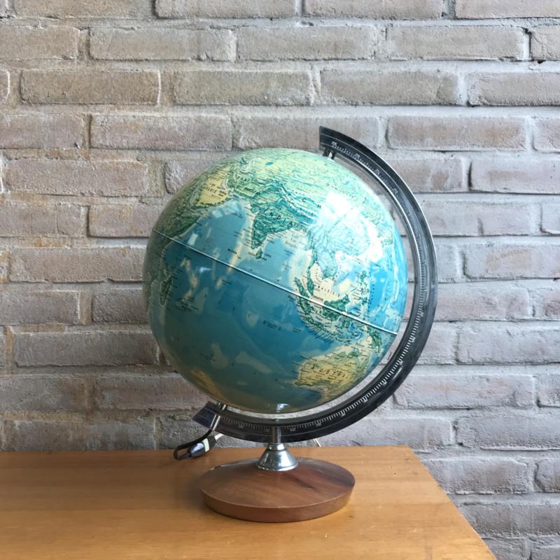 Vintage wereldbol houten voet