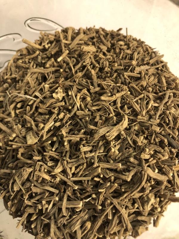 Valeriaan wortel gesneden