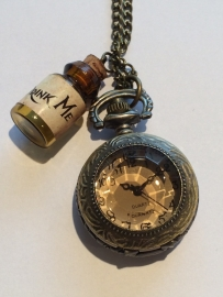 Alice in Wonderland: zakhorloge Drink Me