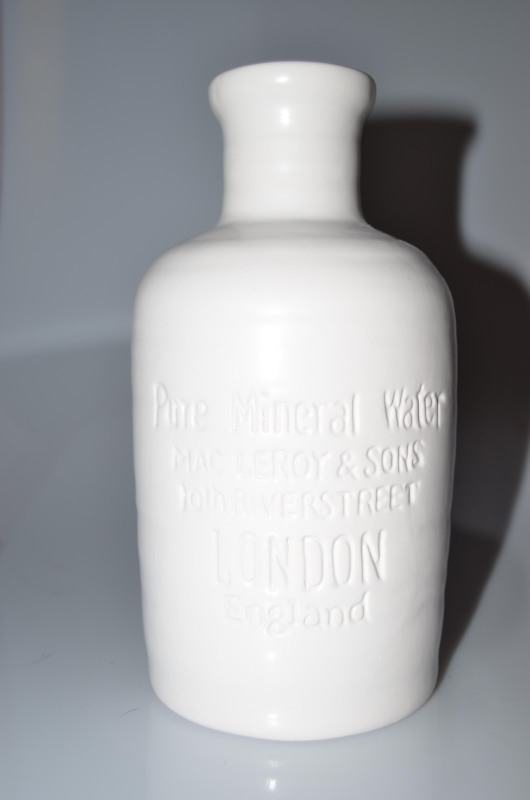 Bottle 'pure mineral water'