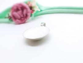 Moedermelk hanger- en ketting rond bolle achterzijde
