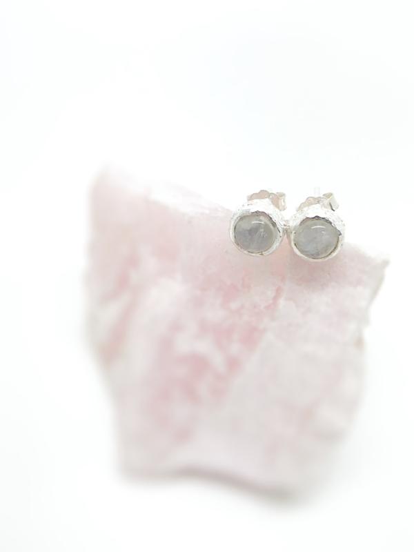 Maansteen oorstekers small