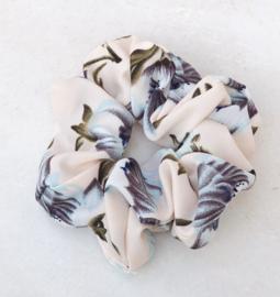 Scrunchie bloemetjes beige