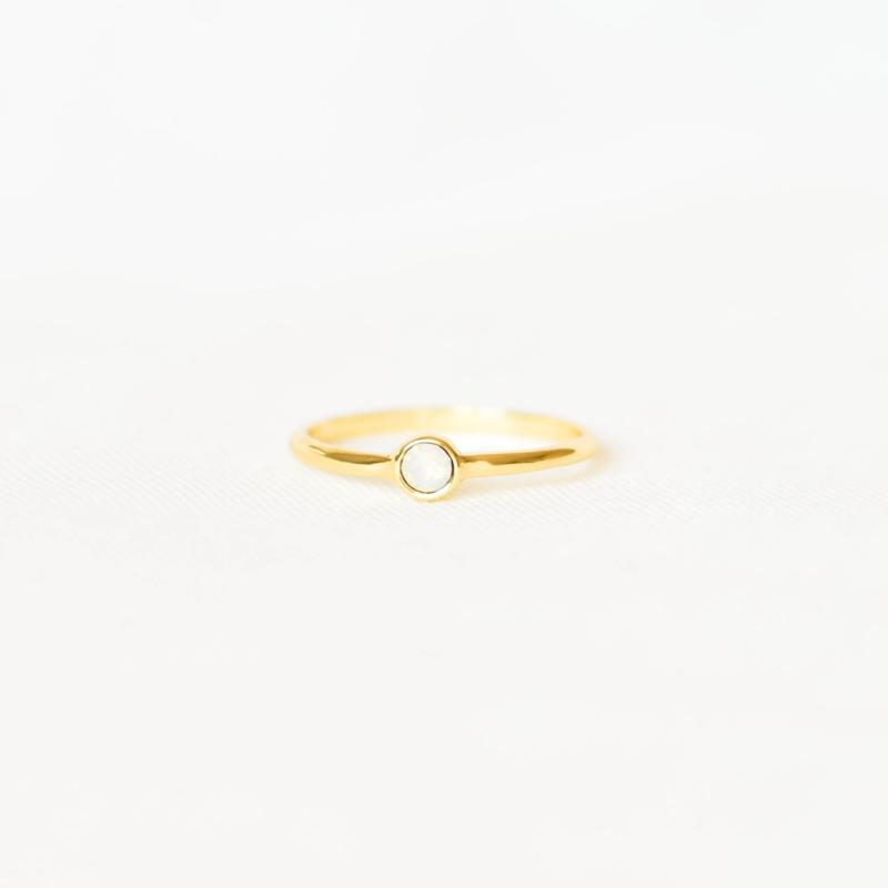 Ring Swarovski opaal - goud