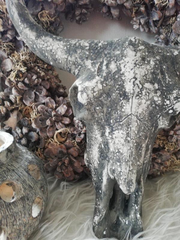 Skull donker cementlook 40cm