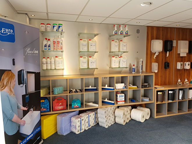 Showroom Hartman Cleaning products