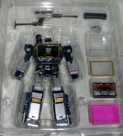 Takara MP-13 Soundwave [Reissue]