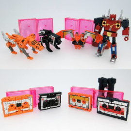 Takara Masterpiece MP-15/16-E Cassettebot Vs Cassettetron Set Exclusive
