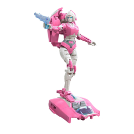 Hasbro WFC Earthrise Deluxe Arcee - Pre order