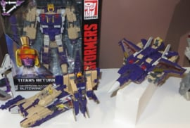 Titans Return Voyager Wave 5 Blitzwing