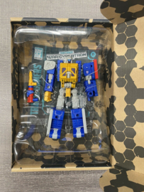 Hasbro Generation Select Earthrise Greasepit