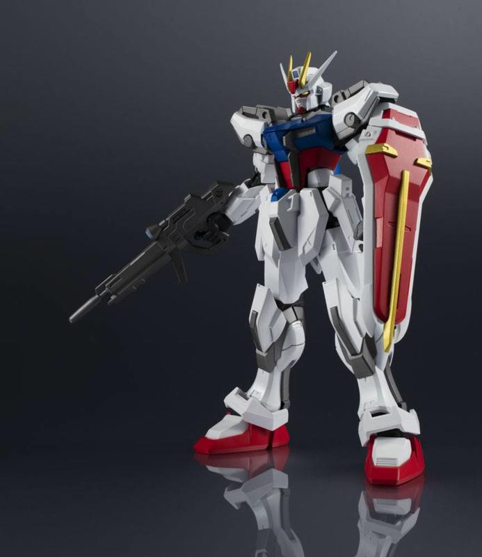Gundam Universe Action Figure GAT-X105 Strike Gundam - Pre order