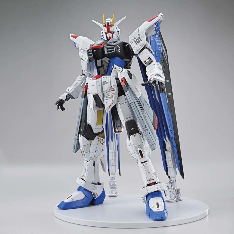 Full Mechanics 1/100 The Gundam Base Limited ZGMF-X10A Freedom Gundam Ver.GCP