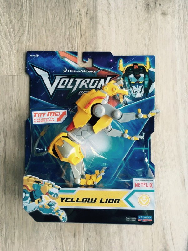 Playmates Voltron Basic Action Figure - Yellow Lion