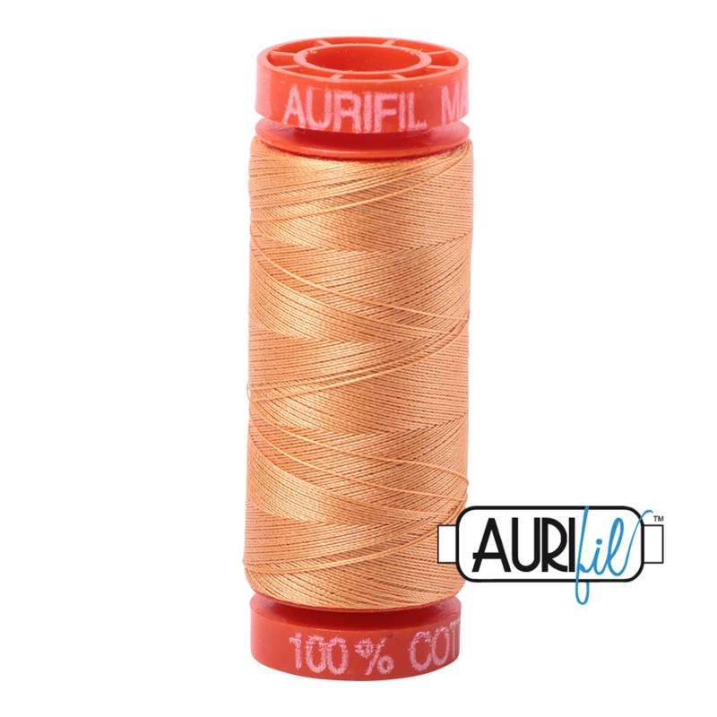 Aurifil Quiltgaren- MAKO 50 - 200 meter - Kleur: 2214 - Golden Honey