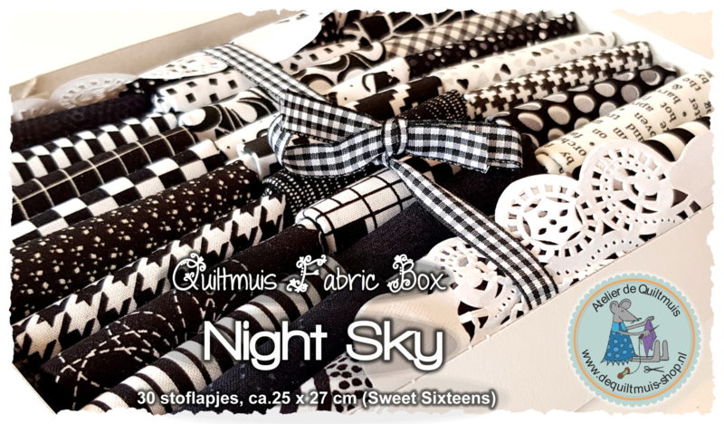 Quiltmuis Fabric Box 'Night Sky' - 30 stoflapjes Sweet Sixteen