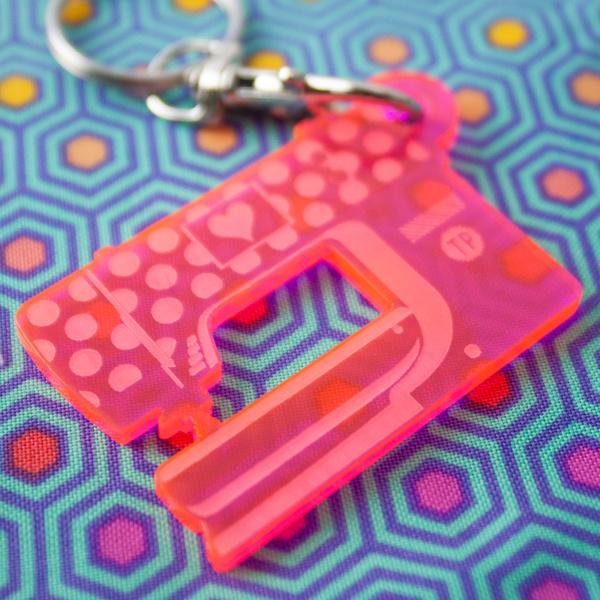 TULA PINK - Keychain Sewing Machine