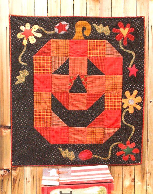 Meme's Quilts - 'Smiling Pumpkin'
