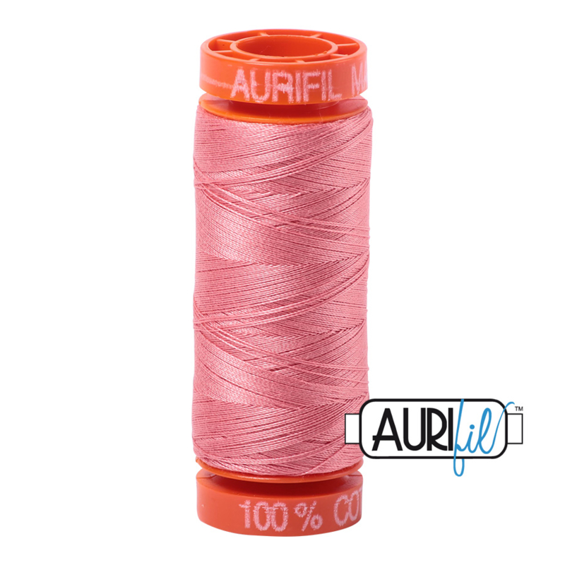 Aurifil Quiltgaren- MAKO 50 - 200 meter - Kleur: 2435 - Peachy Pink