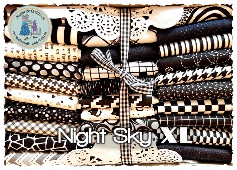 Quiltmuis Fabric Box 'Night Sky XL' - 30 Fat Quarters