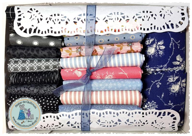 """Fabric Kit:  """"FLOCK OF SINGERS"""" - VINTAGE - incl. patroon"""