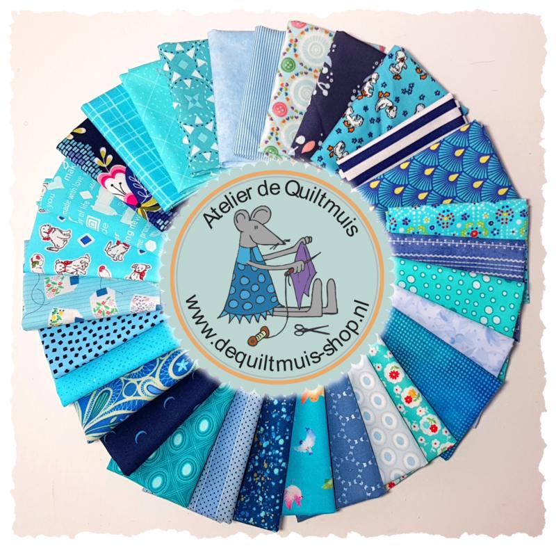 Quiltmuis Fabric Box 'Amor de Azul' - 30 stoflapjes Sweet Sixteen