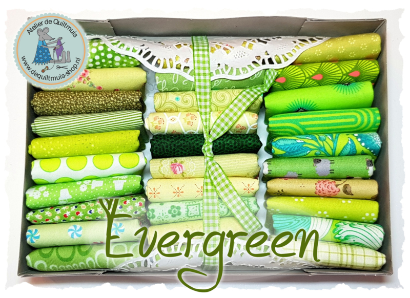 Quiltmuis Fabric Box 'Evergreen' - 30 stoflapjes Sweet Sixteen