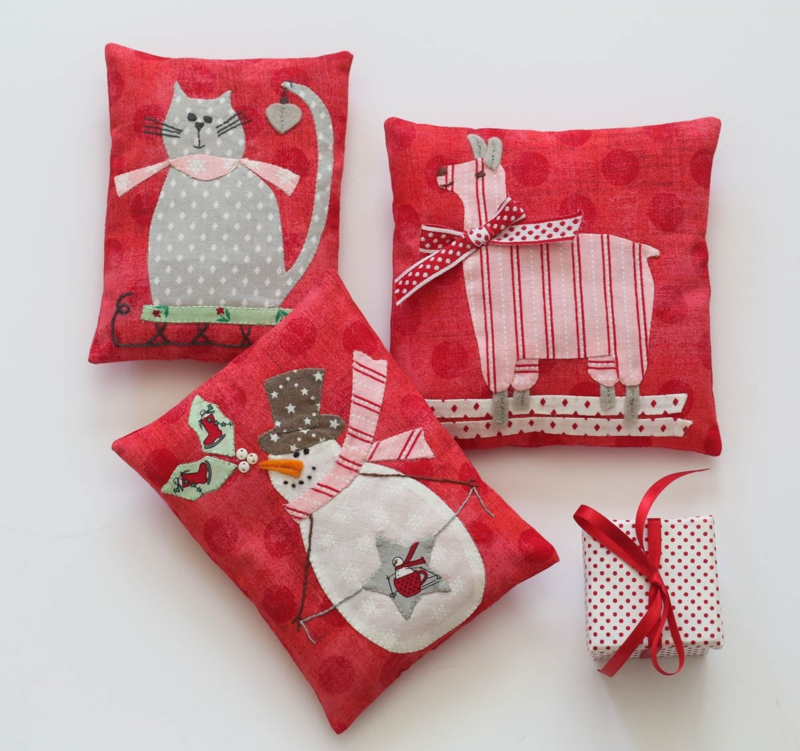 Bunny Hill Designs - 'Pocket Pals for Christmas'