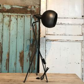 Lamp Driepoot Klein