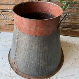 Iron Pot/Vase