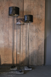 Staande lamp vierkante buis (18mm) met stenen voet 120 cm (zonder kap)