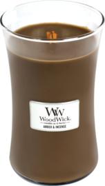 Woodwick Large Amber & incense (De geur Amber&Incense is de heerlijke geur van rijke amber en sandelhout met rokerige tonen van exotische specerijen en kruiden)