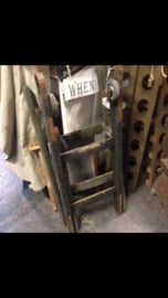 Oude ladder klein 100/135 cm