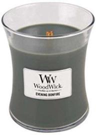 Woodwick Candle Medium Evening Bonfire (De geurbeleving van Evening bonfire is de uitnodigende geur van warm hout, die je brengt naar een koude nacht om een smeulend vuur, samen met je geliefden)
