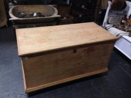 Oude kist omstreeks 1900 met geheime lade
