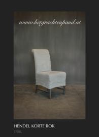 Hendel stoel met korte rok 50x68x104 met smeedijzeren handvat op de rug