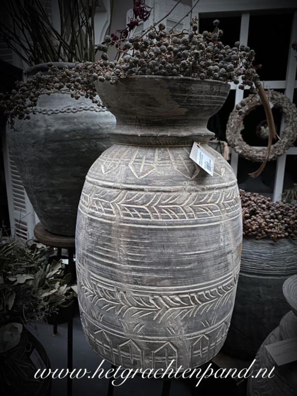 Wooden carved pot Aura Peeperkorn