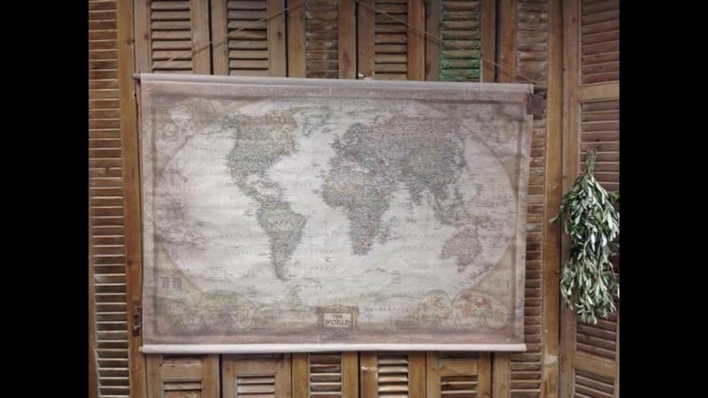 Wereldkaart op houten stok brocante look maat 156 x 107
