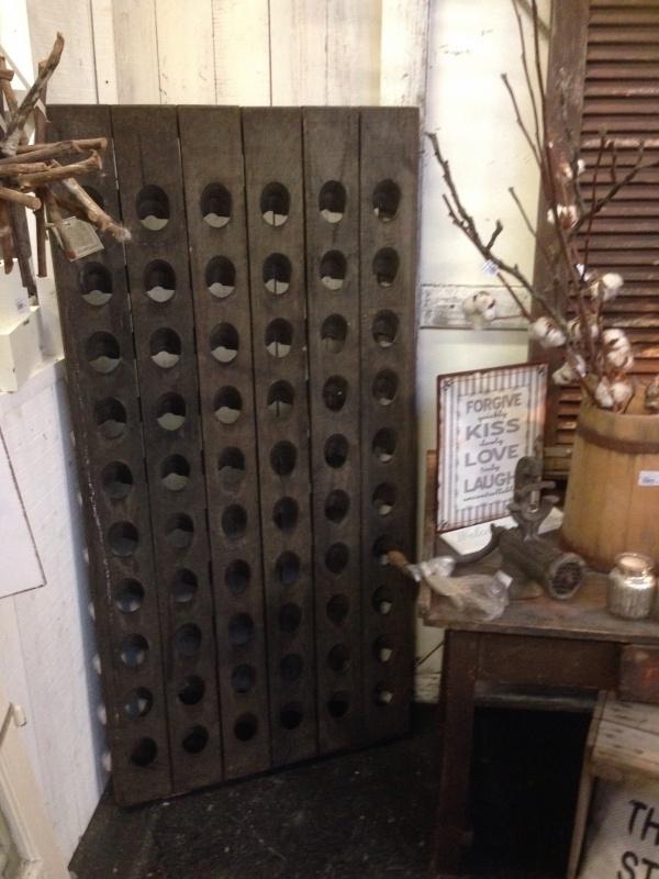 Oud wijnrek 60 flessen