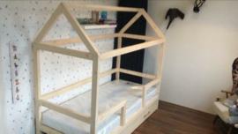Peuterbed Bedhuisje BASIC, 70 x160 cm