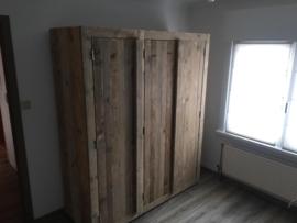 Steigerhouten Kledingkast Koen (3 deurs) 168 x 200 x 63