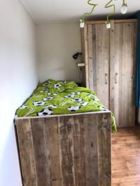 Kinderkamer Stijn (Een stoere degelijke en vooral robuuste kinderkamer van gebruikt steigerhout)
